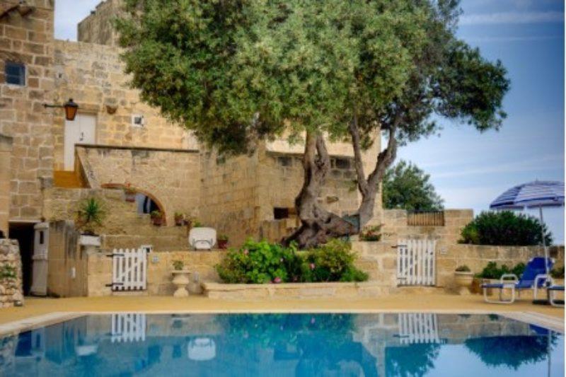 Farmhäuser mit Pool auf Gozo