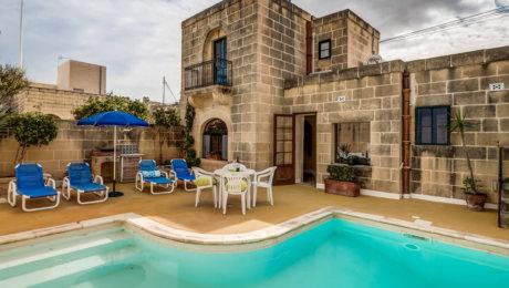 Ta Mansi – Charaktervolles Farmhaus für max 4 Pers mit Klimaanlage und großzügigem Pool