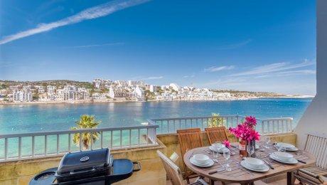 Geräumige Ferienwohnung für bis zu 9 Personen mit Grillplatz auf dem privaten Sonnenbalkon